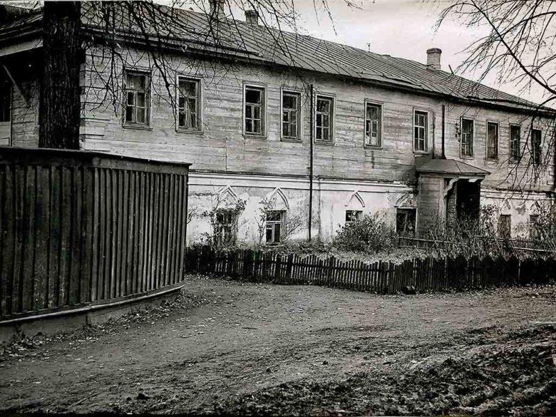 Настоятельский корпус