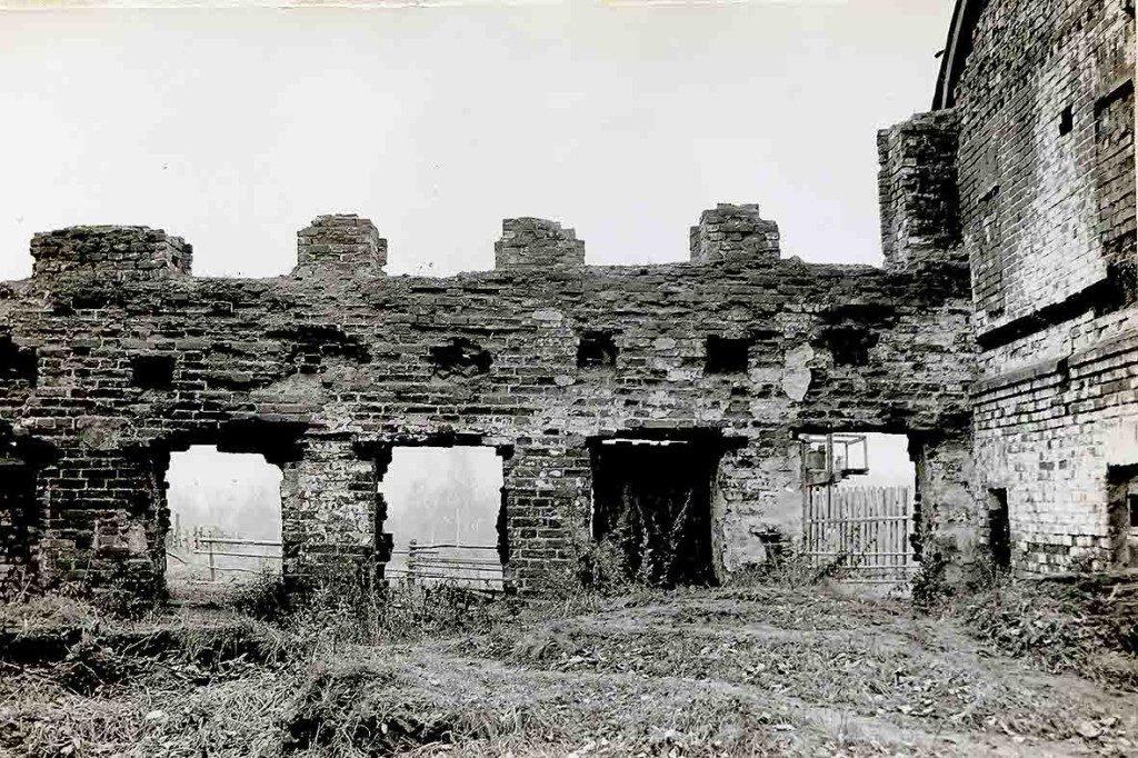 Развалины дома привратника, 1966 год.
